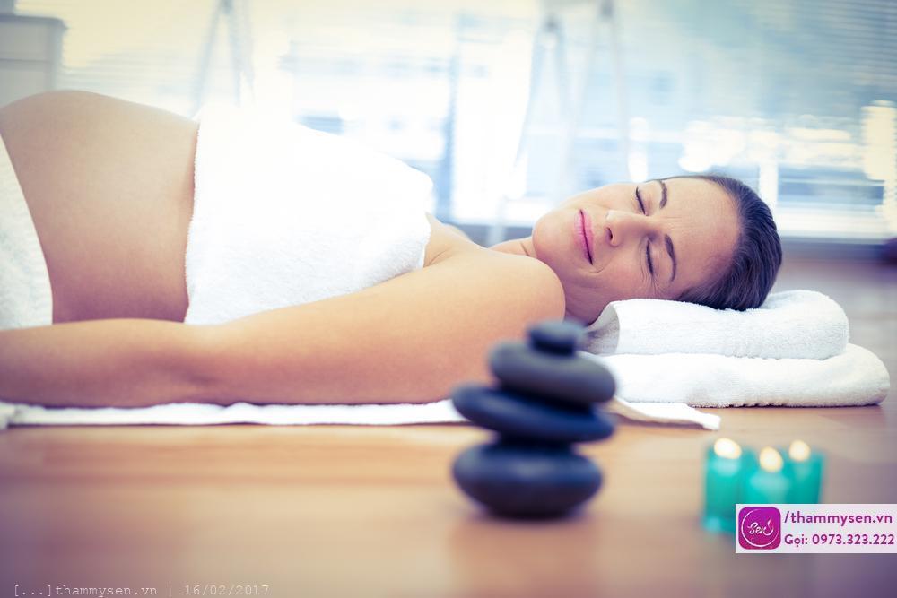 dịch vụ vô cùng có ích cho sức khỏe đó là massage bà bầu