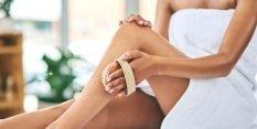 Các bác sĩ da liễu nói rằng dưỡng ẩm trước khi đi ngủ là chìa khóa cho làn da mịn màng như em bé